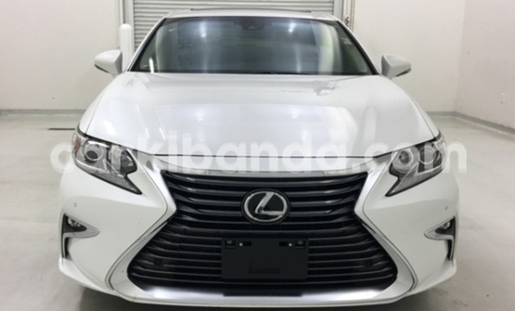 Buy Used Lexus ES 300 White Car in Kampala in Uganda