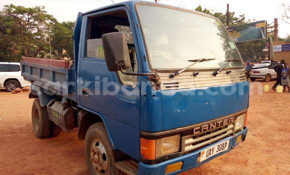 Buy Used Toyota Canter Blue Truck in Kampala in Uganda