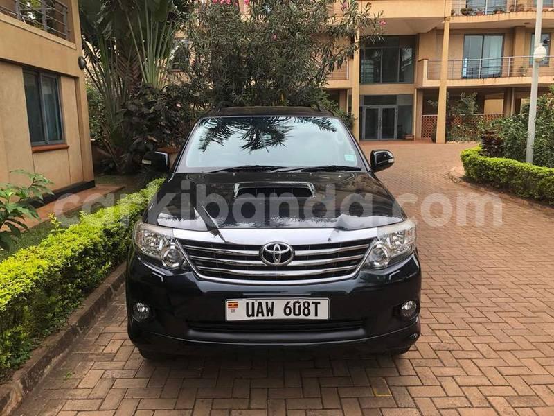 Buy Used Toyota Fortuner Black Car in Kampala in Uganda