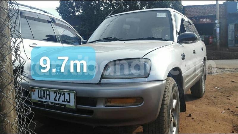buy used toyota rav4 silver car in kampala in uganda carkibanda buy used toyota rav4 silver car in