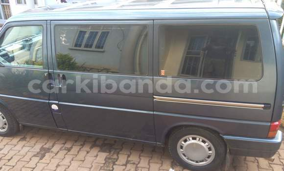 Buy Used Volkswagen EuroVan Blue Car in Kampala in Uganda