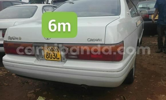 Buy Used Toyota Crown White Car in Kampala in Uganda