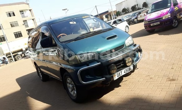Buy Used Mitsubishi Delica Green Car in Kampala in Uganda