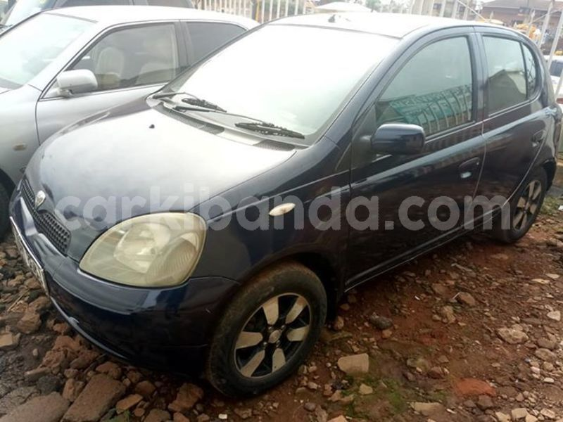 Buy Used Toyota Vitz Blue Car in Kampala in Uganda - CarKibanda