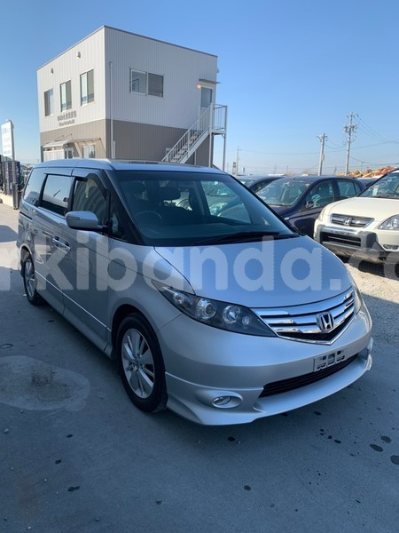 Big with watermark used car for sale in japan honda elysion 2010 2
