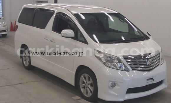Buy Used Toyota Alphard White Car in Kampala in Uganda