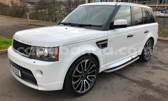 Buy Used Land Rover Range Rover Sport White Car in Kampala in Uganda