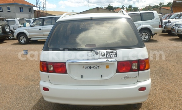 Buy Used Toyota Epsun White Car in Arua in Uganda