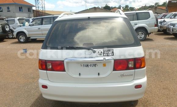 Buy Used Toyota Epsun White Car in Arua in Uganda