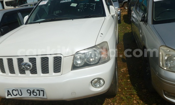 Buy Used Toyota Kluger White Car in Arua in Uganda