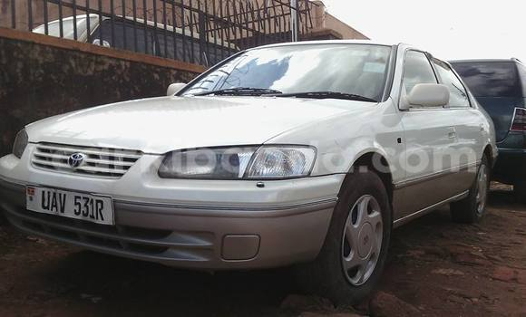 Buy Used Toyota Camry White Car in Arua in Uganda