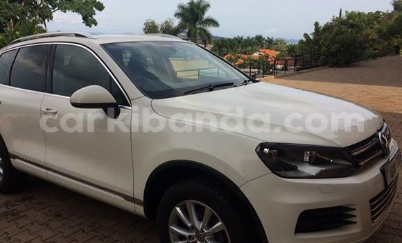 Buy Used Volkswagen Beetle White Car in Kampala in Uganda