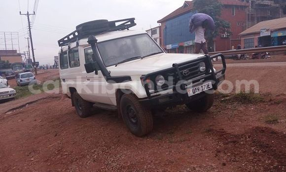 Buy Used Booma CG150 White Car in Arua in Uganda