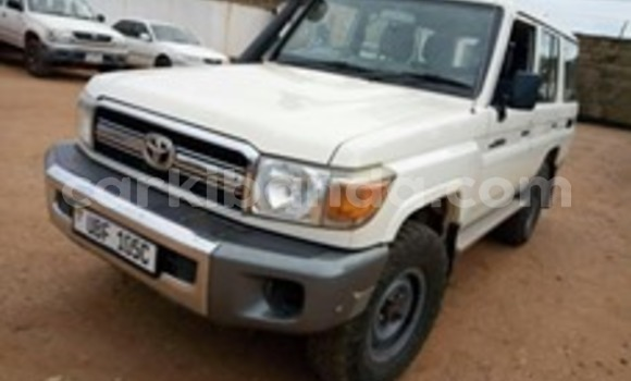Acheter Occasion Voiture Toyota Land Cruiser Blanc à Kampala, Ouganda
