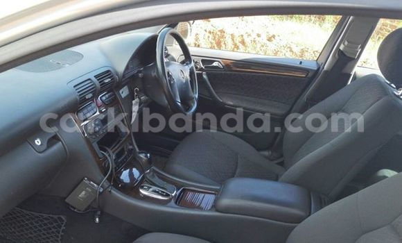 Buy Used Mercedes Benz 190 Silver Car in Kampala in Uganda