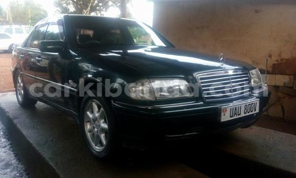 Buy Used Mercedes‒Benz 190 Black Car in Kampala in Uganda
