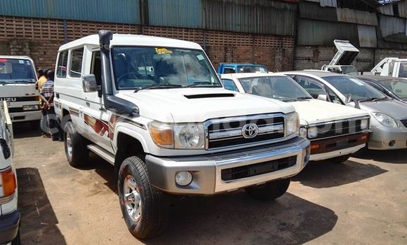 Buy Used Toyota Land Cruiser Black Car in Kampala in Uganda