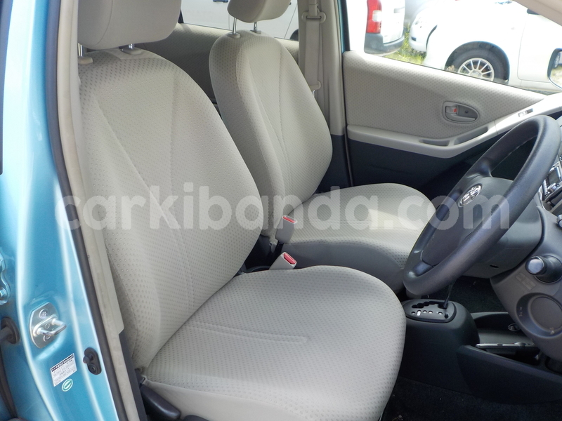 Big with watermark toyota vitz11