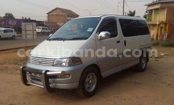 Buy Used Toyota Regius White Car in Arua in Uganda