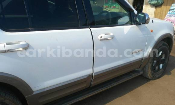 Buy Used Ford Explorer White Car in Kampala in Uganda
