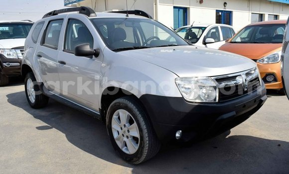 Medium with watermark renault duster uganda import dubai 7909
