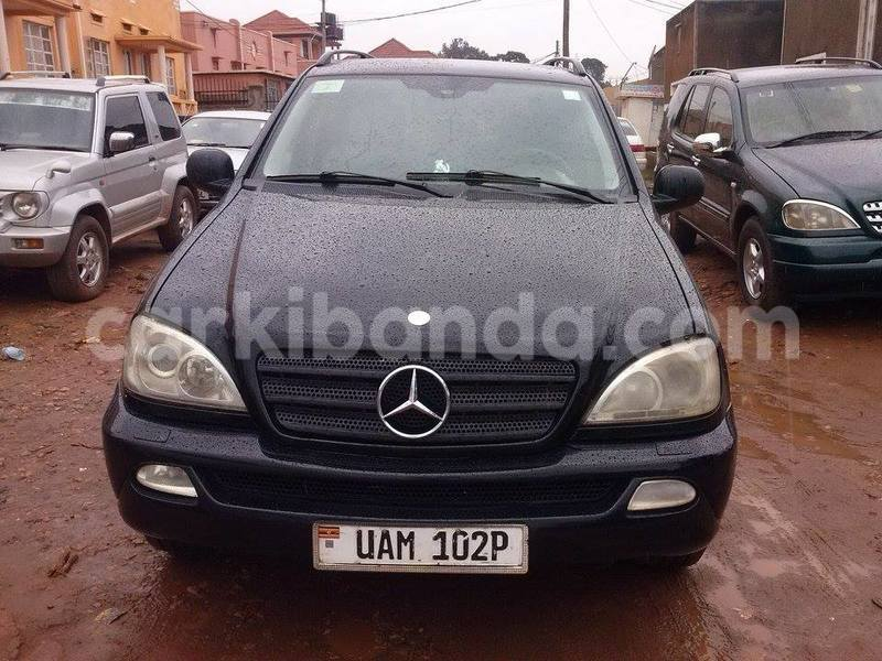 Big with watermark 58d9f0b14c2d benz3