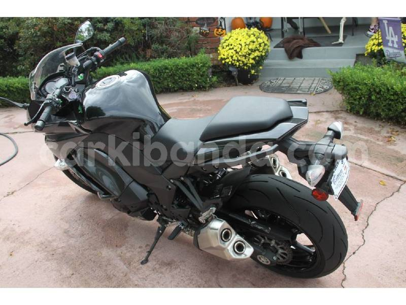 Big with watermark kawasaki z 1000 uganda kampala 8454