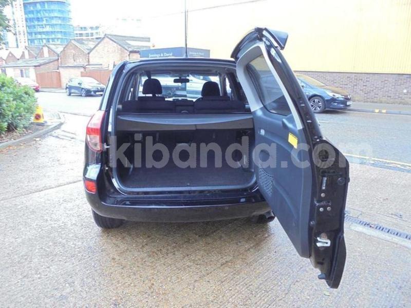 Big with watermark toyota rav4 uganda kampala 8466