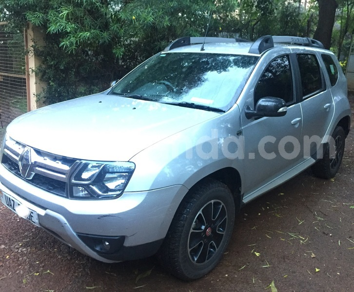 Big with watermark renault duster uganda kampala 8476