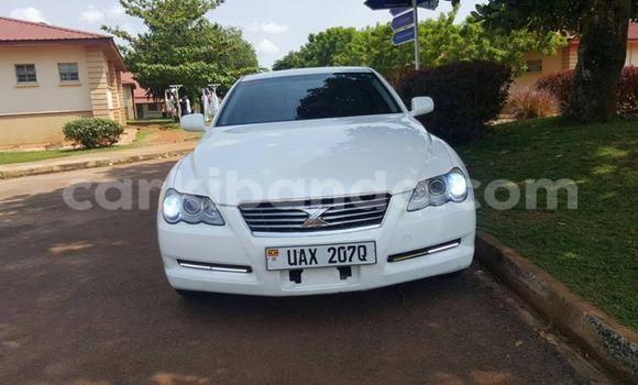 Acheter Occasion Voiture Toyota Mark X Blanc à Kampala, Ouganda