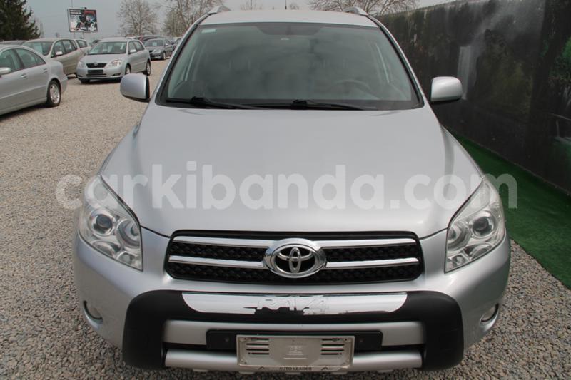 Big with watermark toyota rav4 uganda kampala 8678