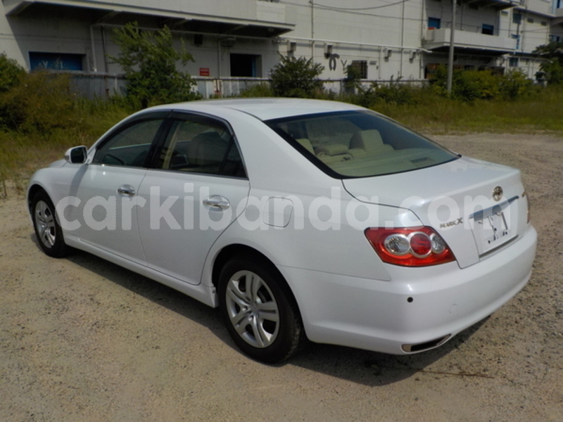Big with watermark toyota mark x uganda kampala 8870