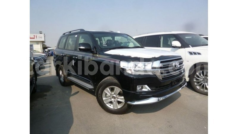 Big with watermark toyota land cruiser uganda import dubai 9070