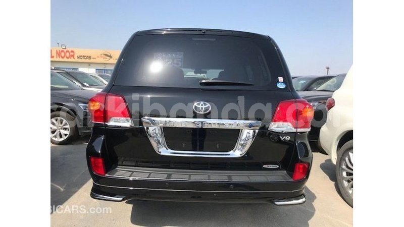 Big with watermark toyota land cruiser uganda import dubai 9162