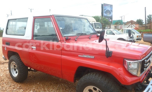 Buy Used Toyota 4Runner Red Car in Arua in Uganda