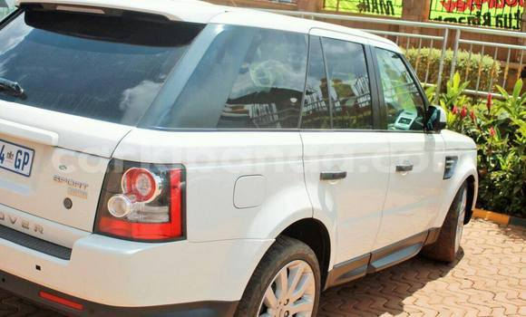 Buy Used Land Rover Range Rover White Car in Kampala in Uganda