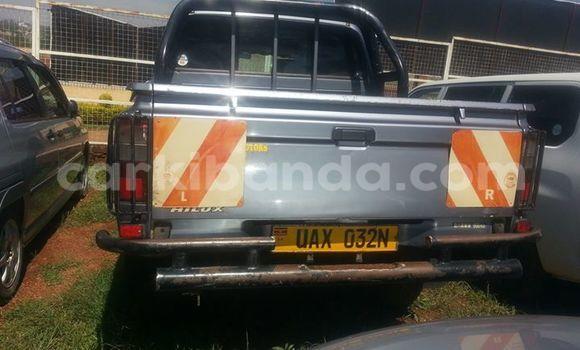 Nunua Ilio tumika Toyota Hilux Nyingine Gari ndani ya Kampala nchini Uganda