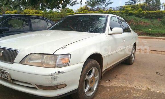 Buy Used Toyota Cresta White Car in Kampala in Uganda