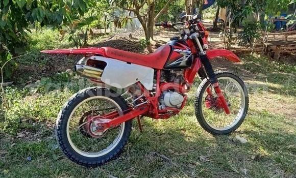 Medium with watermark honda xr uganda kampala 9907