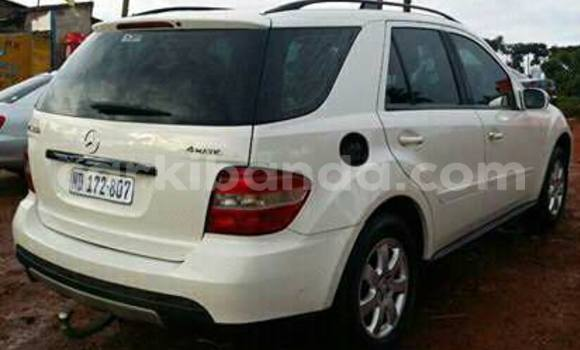 Buy Used Mercedes Benz ML-Class White Car in Kampala in Uganda