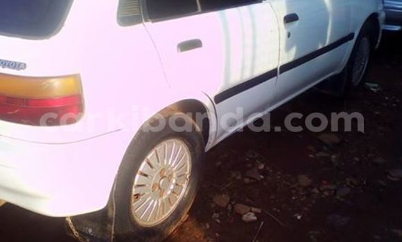 Buy Used Toyota Starlet White Car in Kampala in Uganda