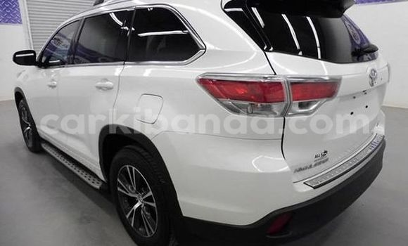 Buy Used Toyota Highlander White Car in Kira in Uganda