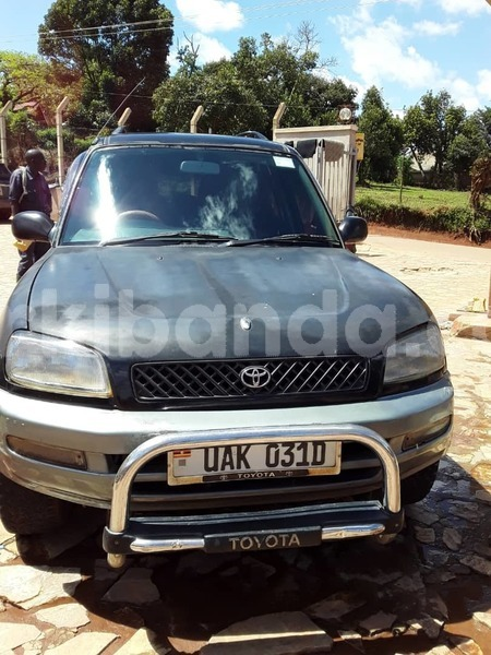 Big with watermark toyota rav4 uganda kampala 9967