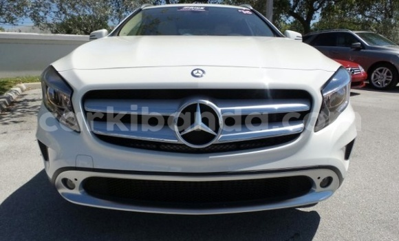 Buy Used Mercedes‒Benz 250 White Car in Kampala in Uganda