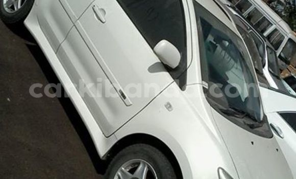 Buy Used Toyota IST White Car in Busia in Uganda