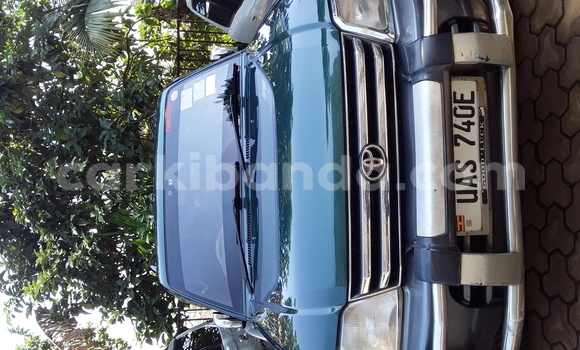 Buy Used Toyota Land Cruiser Prado Green Car in Kampala in Uganda