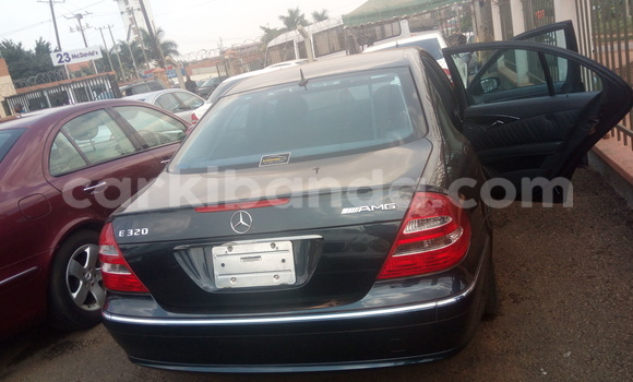 Buy Used Mercedes‒Benz E–Class Blue Car in Kampala in Uganda