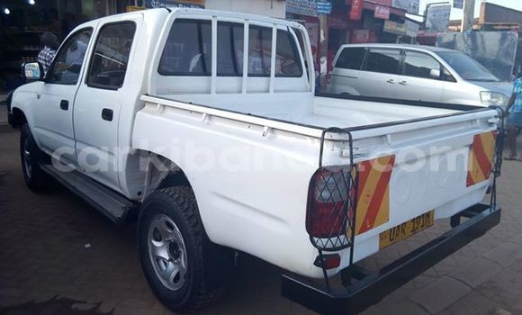 Buy Used Toyota Hilux White Car in Busia in Uganda