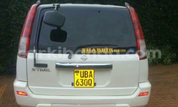 Buy Used Nissan X-Trail White Car in Busia in Uganda