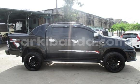 Buy Used Toyota Hilux Black Car in Busia in Uganda